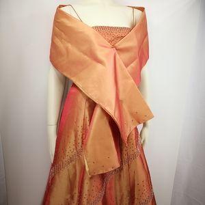Vtn Le Femme Women's 8 Fire Metallic Formal Dress